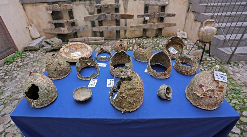 I reperti recuperati in esposizione presso la sede della Soprintendenza del Mare_01_photo Salvo Emma