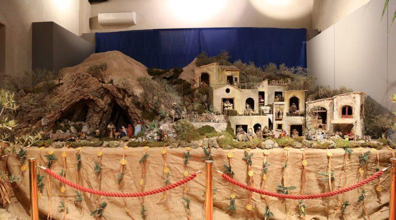Presepe animato di Caltagirone in esposizione al palazzo Ciampoli di Taormina_preview