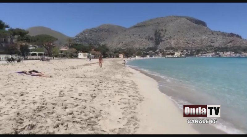 La spiaggia e il mare di Mondello
